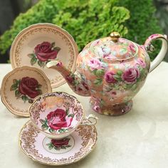 Vintage Rose Teapot by Arthur Wood England and Paragon duos Pink Tea Cups, Tea Cup Set, My Cup Of Tea, Tea Cup Saucer, Antique Tea Sets, Tea Sets Vintage, Old Tea Pots, Teapots And Cups, Tea Service