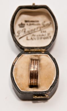 1800s English Rose Gold Band Ring