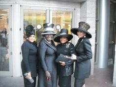 """twins Caron & Karon, Judge Mablean & Mother Louise D. Church Suits And Hats, Church Attire, Church Hats, Church Outfits, Office Outfits Women, Woman Outfits, Classy Women, Classy Lady, Hats For Women"