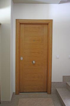 Puertas de entrada a la vivienda, madera de roble #puertas #roble #vivienda #carpintería