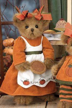 Piper Piebaker - Teddy Bear By Bearington Bears by The Bearington Collection, fall bear My Teddy Bear, Cute Teddy Bears, Ours Boyds, Teddy Hermann, Charlie Bears, Boyds Bears, Love Bear, Bear Doll, Cuddling