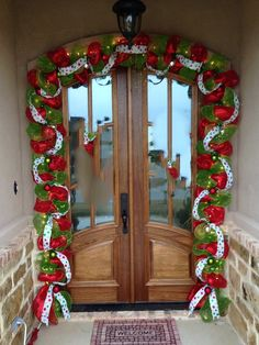 20 Christmas Garland Decorations Ideas To Try This Season Christmas deco mesh garland Grinch Christmas Tree, Elf Christmas Decorations, Diy Christmas Garland, Christmas Porch, Simple Christmas, Christmas Holidays, Christmas Crafts, Merry Christmas, Whimsical Christmas