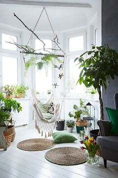 Create a relaxing corner to curl in up with a macrame hammock and plenty of indoor plants Decoration Plante, Home Decoration, Room With Plants, Home And Deco, Southern Living, Interior Design Inspiration, Indoor Plants, Home Plants, Decorating Your Home