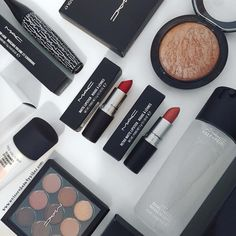 "46 Likes, 5 Comments - Katie May (@katiemay_mua) on Instagram: ""The best kind of treats  thank you @lookfantastic #lookfantastic @maccosmetics #mac #maccosmetics…"""