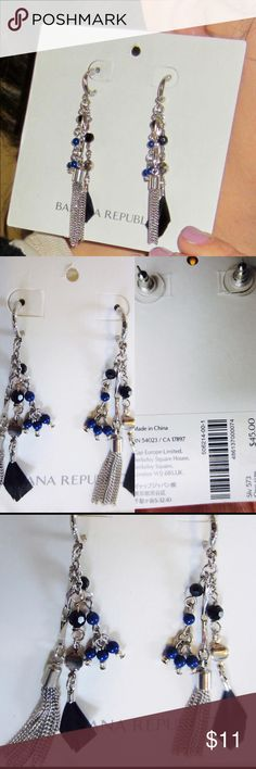 Banana Republic Feather Crystal Tassel Earrings NEW with tags (never worn) Banana Republic feather crystal drop earrings. Blue and clear crystals with chain tassel and black feather. You will love them! They come with Banana Republic box.😉👌🏼Sorry, no trades🚫 Banana Republic Jewelry Earrings