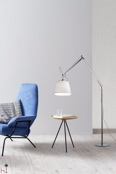 Tolomeo Mega is the floor version of the Tolomeo system of lamps, designed by Michele de Lucchi and Giancarlo Fassina for Artemide.