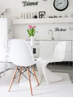 Via M & A Dekor | Eames Dsw | Panton Chair | White