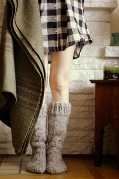 "I've never heard of ""cottage socks"" before, but these bad boys are AWESOME! - Cottage Socks / Image via: Post Script Love Look Fashion, Winter Fashion, Womens Fashion, Fashion Models, Fashion Shoes, Fashion 2016, High Fashion, Cosy Winter, Winter Socks"