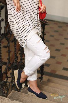 WIEN EN VOGUE #casuallook #casualoutfit #marinestyle #redbag #espadrillos #loboshoes #lobo #stripeshirt