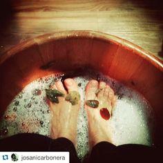 #Repost @josanicarbonera with @repostapp.  Spa dos pés  porque eu mereço!