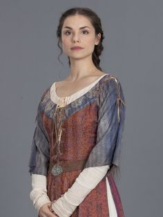 .Bronwyn, Guinivere's loyal maidservant, and daughter to Hila & Bennor.