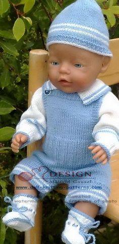 Model 0002D TIMMY- genser, bukse, lue og sokker i lysblått og hvitt