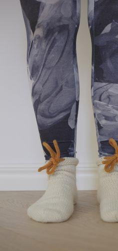 villasukat ilman resoria varpaista varteen ohje iCord My Socks, Pants, Fashion, Trouser Pants, Moda, Fashion Styles, Women's Pants, Women Pants, Fashion Illustrations