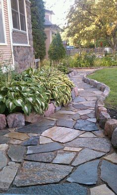 Amazing Fresh Frontyard and Backyard Landscaping Ideas Give your backyard or front lawn a fresh look this season with these gorgeous garden design ideas.Give your backyard or front lawn a fresh look this season with these gorgeous garden design ideas. Rock Walkway, Backyard Walkway, Flagstone Patio, Walkway Ideas, Backyard Ideas, Pond Ideas, Front Patio Ideas, Stone Backyard, Modern Backyard