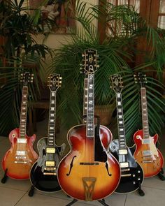 1935 Gibson Super 400 (and her nieces)