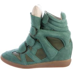 Pre-owned Isabel Marant Beckett Wedge Sneakers ($195) ❤ liked on Polyvore featuring shoes, sneakers, green, suede sneakers, hidden wedge heel sneakers, velcro strap sneakers, green suede shoes and suede shoes