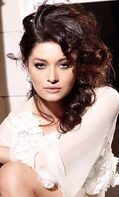 Noutăţi Divas, Celebs, Celebrities, Turkish Actors, Sexy Women, Actresses, Indian Beauty, Movies, Artists