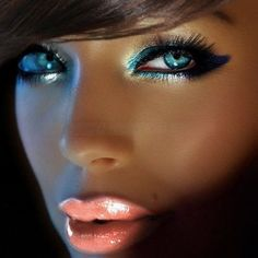 Gorgeous Examples Of Eye Make-up #2                                                                                                                                                                                 More