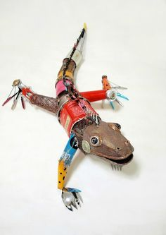 Natsumi Tomita - Animal Sculptures Made from Recycled Materials in art with Trash Recycled Art Animals Art From Recycled Materials, Recycled Art Projects, Found Object Art, Found Art, Animal Sculptures, Sculpture Art, Metal Sculptures, Animal Robot, Arte Robot