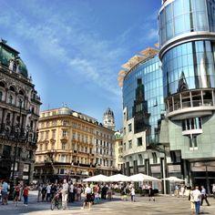 A mixture of old & new in #Vienna -Stephenplatz