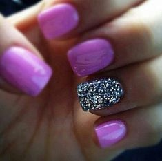 Purple nails with glitter nail art cute nails glitter nail purple creative pretty love nails nail ideas nail designs Glitter Accent Nails, Gray Nails, Love Nails, How To Do Nails, Fun Nails, Pretty Nails, Purple Glitter, Silver Glitter, Pink Sparkles