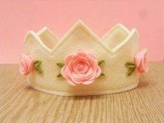 DIY Felt Birthday Crown in ivory with pink roses - birthday crown, handmade felt crown