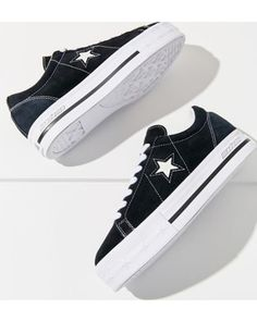 Urban Outfitters Converse One Star X MadeMe Suede Platform Sneaker Found on my new favorite app Dote Shopping Platform Converse, Platform Sneakers, Cute Shoes, Me Too Shoes, Fashion Boots, Sneakers Fashion, Plateau Sneaker, Converse One Star, Clearance Shoes