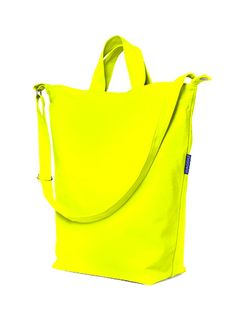 This #neon totebag from #baggu is perfect for the girl on the go! #budgetbuys #summersteal