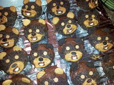 what's a star wars party without some ewok cupcakes?  .....