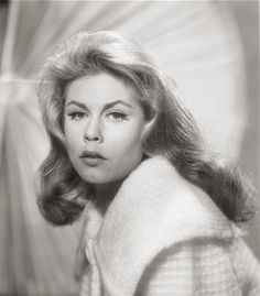 Elizabeth Montgomery...Bewitched by her beauty.