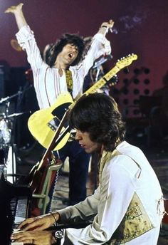 The Rolling Stones: Mick Jagger & Keith Richards, Montreux by Dominic Lamblin. The Rolling Stones. Rock Roll, Rock And Roll Bands, Rock Bands, Metal Bands, Keith Richards, Mick Jagger, The Rolling Stones, Pink Floyd, Elvis Presley