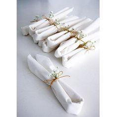   Bröllopsförberedelser   På lördag gifter sig min syster! Jag viker servetter…