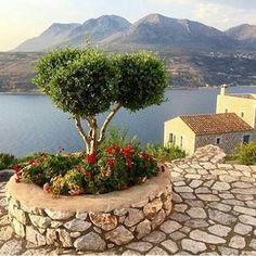 Limenion, Lakonia, Greece @effiepanago