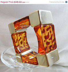 ON SALE #Vintage Lucite Bracelet. Square Mod Faux by waalaa on Etsy #ecochic