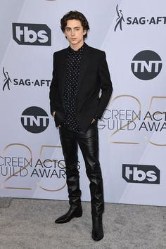 Timothée Chalamet at an event for The Annual Screen Actors Guild Awards Cool Outfits For Men, Mens Leather Pants, Timmy T, Designer Clothes For Men, Sexy Teens, Celebrity Look, Beautiful Boys, Menswear, People