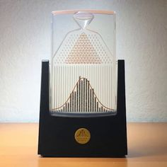 The Galton board - the concept of normal distribution