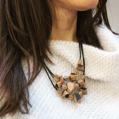 Wearing the winter. Do you like our olive and cherry wood collier? Wood Cut, Cherry, Winter, Instagram Posts, How To Wear, Jewelry, Fashion, Winter Time, Moda