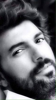 Engin Akyürek A great look here. Turkish Actors, Good Looking Men, Best Actor, Best Tv, Gorgeous Men, Hot Guys, Hot Men, Actors & Actresses, How To Look Better