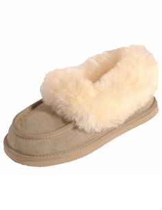Take good care of your feet with these comfy Mi Wollies classic slippers which feature a leather upper. Sleepwear Women, Lingerie Sleepwear, Inspirational Gifts, Womens Slippers, Footwear, Comfy, Mood, Clothes For Women, Classic