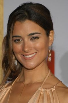 Cote at the TV Guide Emmy After Party on of September, and background photos of Cote de Pablo for fans of Cote de Pablo images. Ziva David, Gorgeous Body, Beautiful Smile, Beautiful Women, Beautiful Celebrities, Beautiful Actresses, Carlos Ponce, Ncis Tv Series, Daniela Ruah