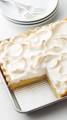 Lemon Meringue Slab Pie is part of Lemon dessert Pie - This lemon meringue slab pie is perfect for serving a crowd Lemon desserts are popular and this pie is no exception—it's great for potlucks and spring gatherings 13 Desserts, Desserts For A Crowd, Lemon Desserts, Lemon Recipes, Pie Recipes, Sweet Recipes, Delicious Desserts, Dessert Recipes, Cooking Recipes