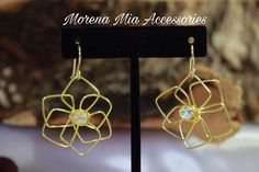 Beautiful Golden Earrings, Flower Earrings, Handmade Earrings, Flower Squares Earrings, Wire Earrings, Gift for Mothers day, Fashion Earring de MorenaMiaAccessories en Etsy https://www.etsy.com/es/listing/591255030/beautiful-golden-earrings-flower
