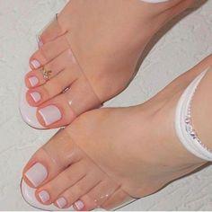 White style beauty: feet & toenails toe nail color, nails и toe nails. Toe Nail Color, Toe Nail Art, Nail Colors, Pedicure Colors, Pedicure Ideas, Acrylic Toe Nails, Pedicure Designs, Coffin Nails, Pretty Toe Nails