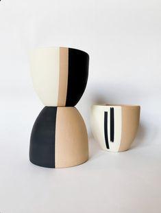 Pottery Painting, Ceramic Painting, Diy Painting, Painting Clay Pots, Stone Painting, Painted Plant Pots, Painted Flower Pots, Painted Pebbles, Pots D'argile