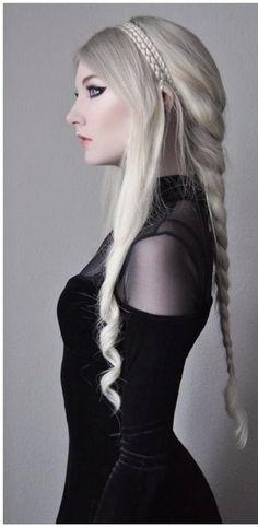beautiful braided hairstyle <3