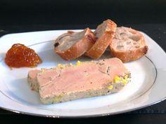 Recette de la terrine de foie gras Mousse, French Cheese, Charcuterie, Entrees, Buffet, Chicken Recipes, Bacon, Pork, Lunch