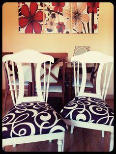 Unas sillas clásicas con un toque moderno. maderademindi.blogspot.com.es #tapiceria #restauracion #decor #diy  #sillasmodernas #creative #muebles #ideas #desing #color #nuevosproyectos #modernizando