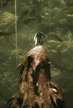 Thorin standing on Smaug's snout! I love this shot. Reminds me of Captain Hook and the crocodile. :-)