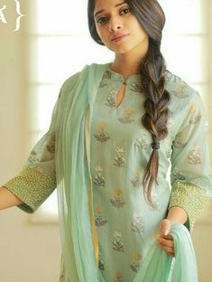 Simple Kurta Designs, Silk Kurti Designs, Salwar Neck Designs, Churidar Designs, Kurta Neck Design, Neck Designs For Suits, Sleeves Designs For Dresses, Kurta Designs Women, Dress Neck Designs