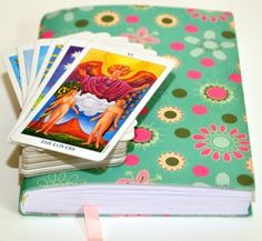 Using a tarot journal to expand your knowledge